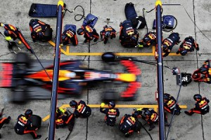 SHANGHAI, CHINA - APRIL 09:  Daniel Ricciardo of Australia driving the (3) Red Bull Racing Red Bull-TAG Heuer RB13 TAG Heuer makes a pit stop for new tyres during the Formula One Grand Prix of China at Shanghai International Circuit on April 9, 2017 in Shanghai, China.  (Photo by Mark Thompson/Getty Images) *** BESTPIX *** // Getty Images / Red Bull Content Pool  // P-20170409-00817 // Usage for editorial use only // Please go to www.redbullcontentpool.com for further information. //